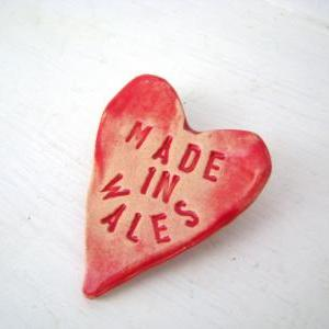 Made in Wales - heart brooch / pin ..
